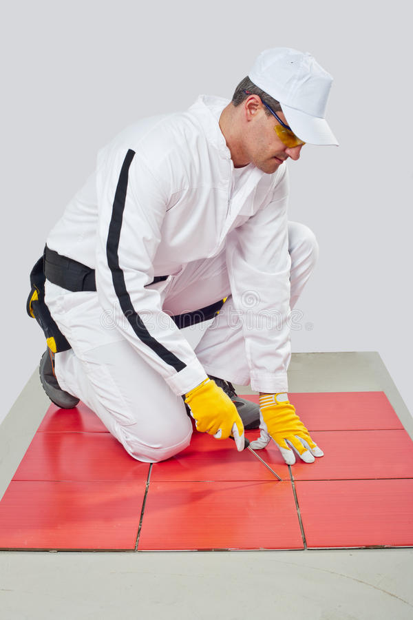 Sharp tool cleans tile joints