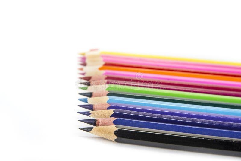 Sharpened coloriu lápis no fundo branco imagem de stock royalty free