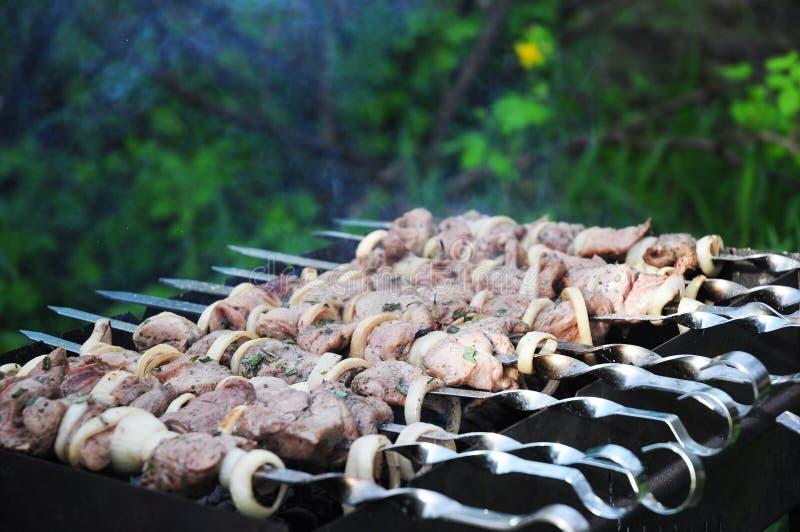 Shashlik oder shashlyk Bedeutung aufgespießtes Fleisch wurden ursprünglich vom Lamm gemacht stockbilder