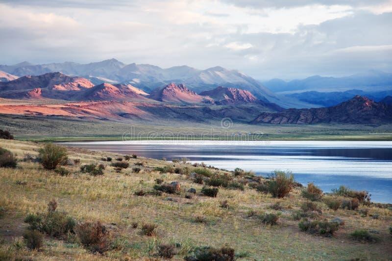 Shatsagay nuur See in Mongolei lizenzfreie stockbilder