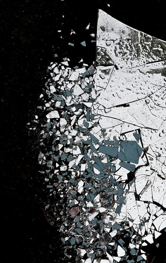 Free Shattered Mirror Stock Image - 46745211