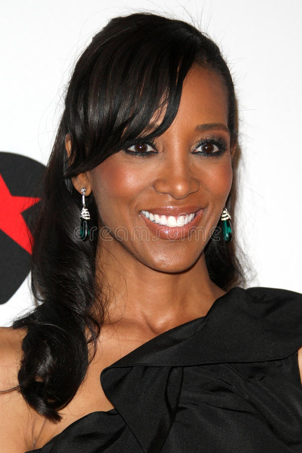 Download Shaun Robinson Arrives At The 19th Annual Race To Erase MS Gala Editorial Photo - Image of annual, gala: 25274841