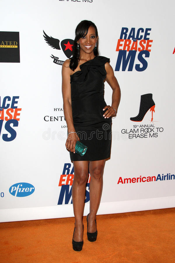 Download Shaun Robinson Arrives At The 19th Annual Race To Erase MS Gala Editorial Stock Photo - Image: 25274843