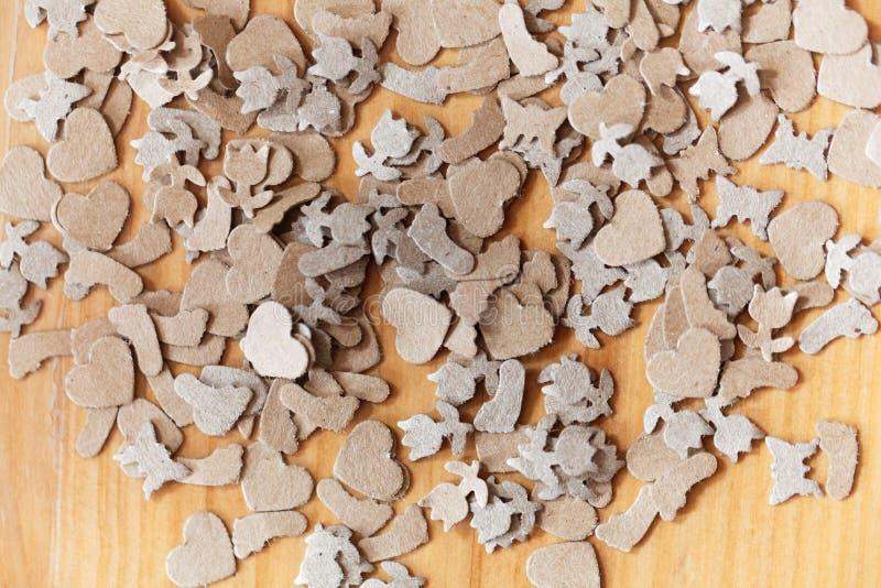 Shavings бумаги Брайна на древесине стоковая фотография