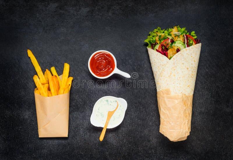 Shawarma和炸薯条 库存照片