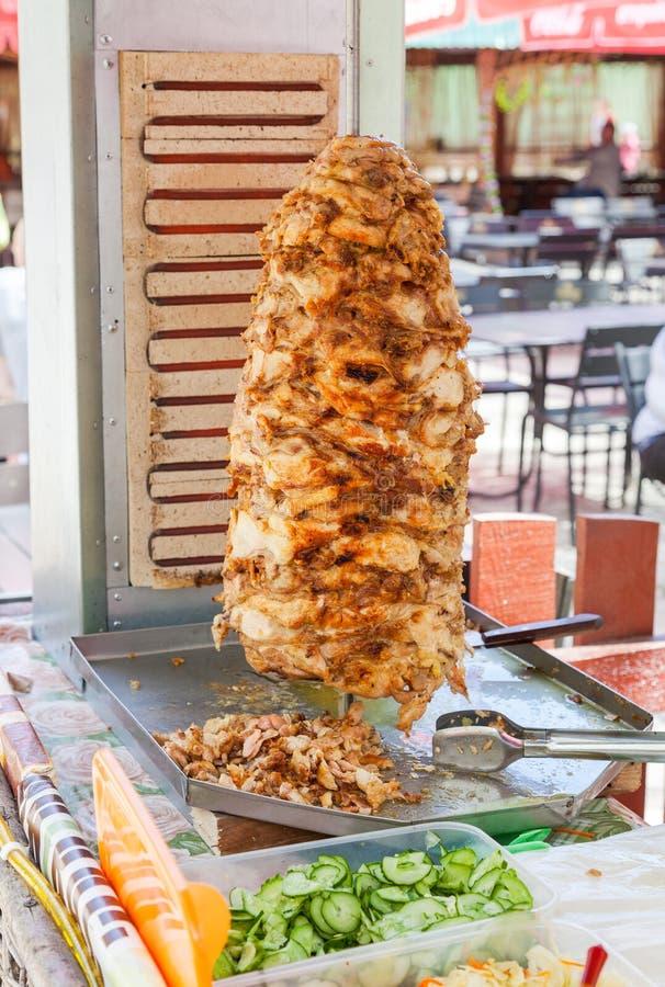 Shawarma é um do prato o mais popular do fast food imagens de stock
