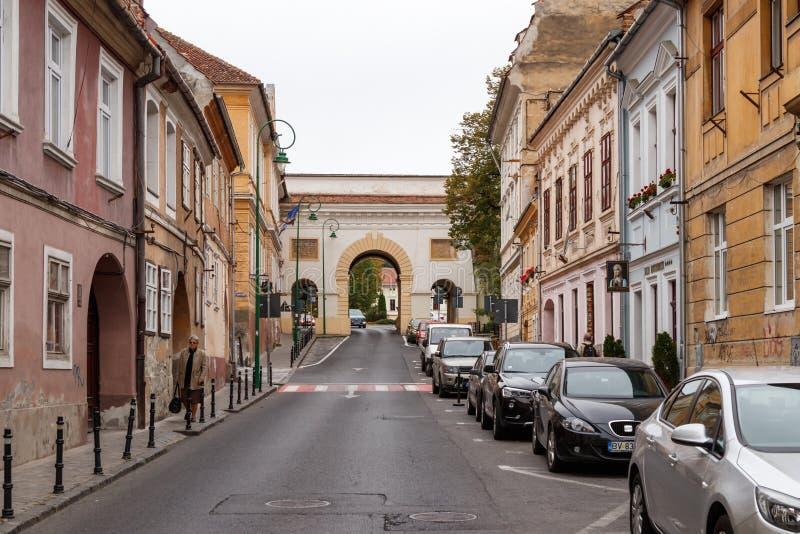 Shay Gate Poarta Schei, die uit drie bogen bestaan die, zich op de Straat Strada Poarta Schei van Gatewayschei in Brasov bevinden stock afbeeldingen