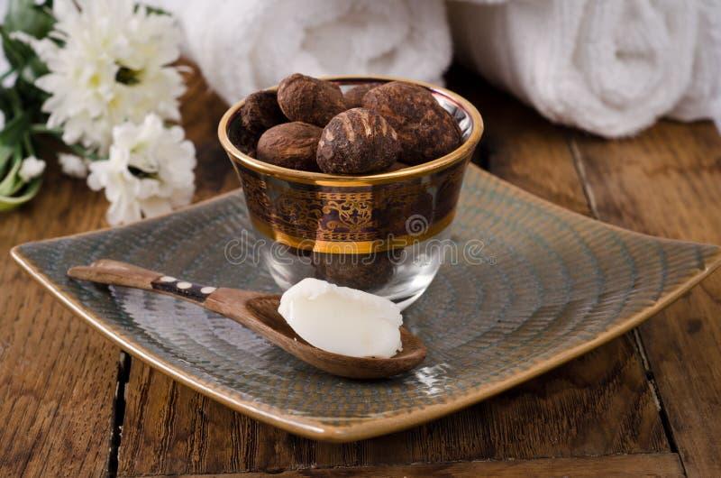Sheanuts en boter royalty-vrije stock fotografie