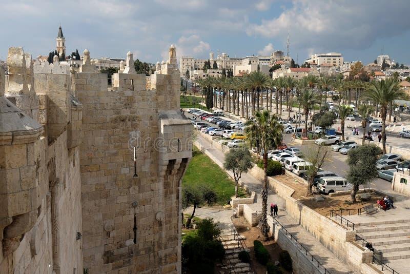 从Shechem大马士革门的看法向耶路撒冷 图库摄影