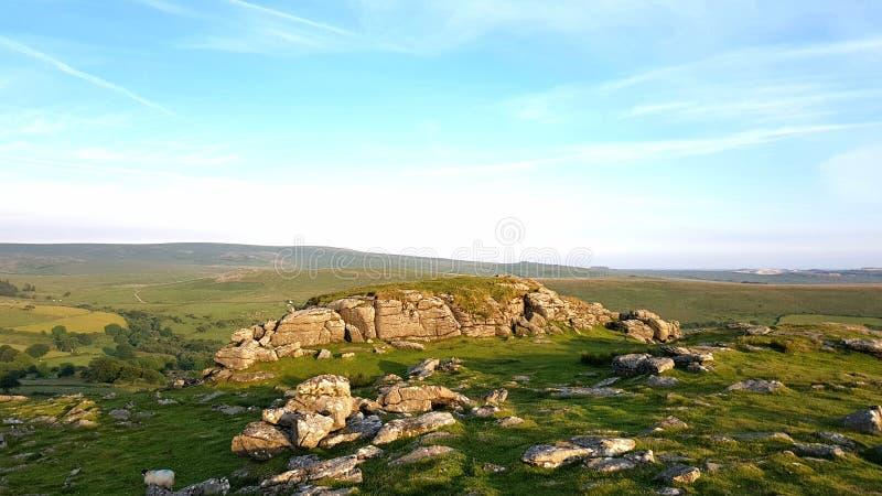 Sheepstor som ser östlig över den Dartmoor nationalparken, Devon arkivbild