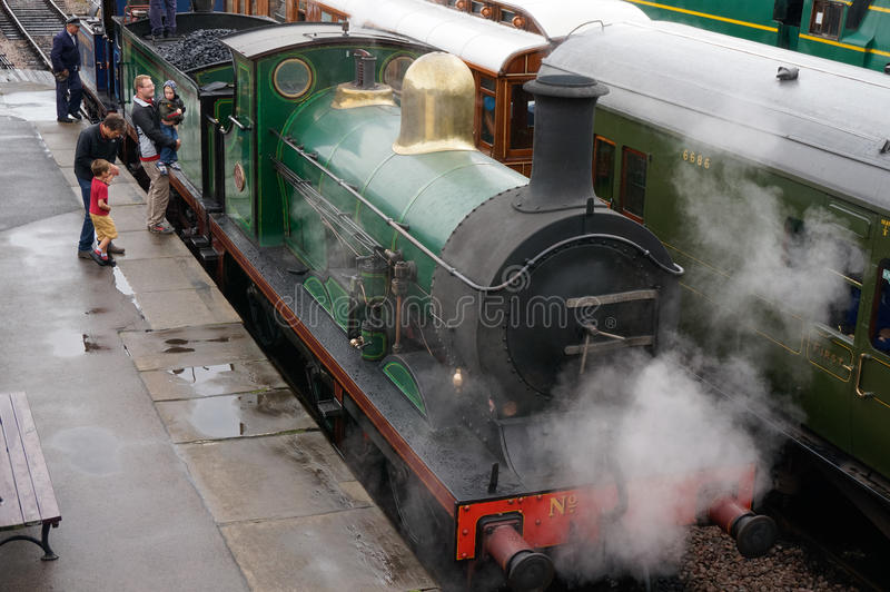 SHEFFIELD PARK, EAST SUSSEX/UK - SEPTEMBER 8 : C Class steam eng. Ine at Sheffield Park station East Sussex on September 8, 2013. Unidentified people stock image