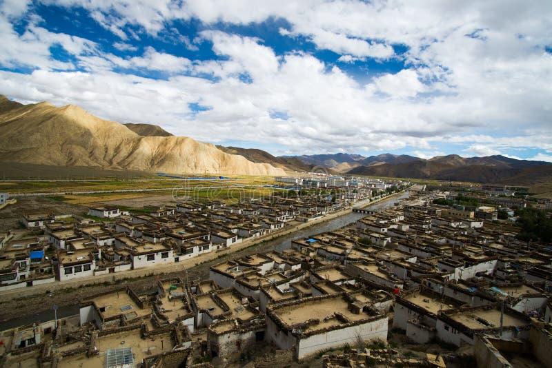 Shegar Dzong (монастырь Chode) в Tingri в Тибете, Китае стоковые изображения rf