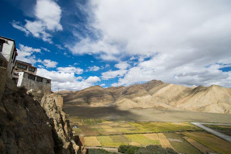 Shegar Dzong (monasterio de Chode) en Tingri en Tíbet, China imagen de archivo libre de regalías