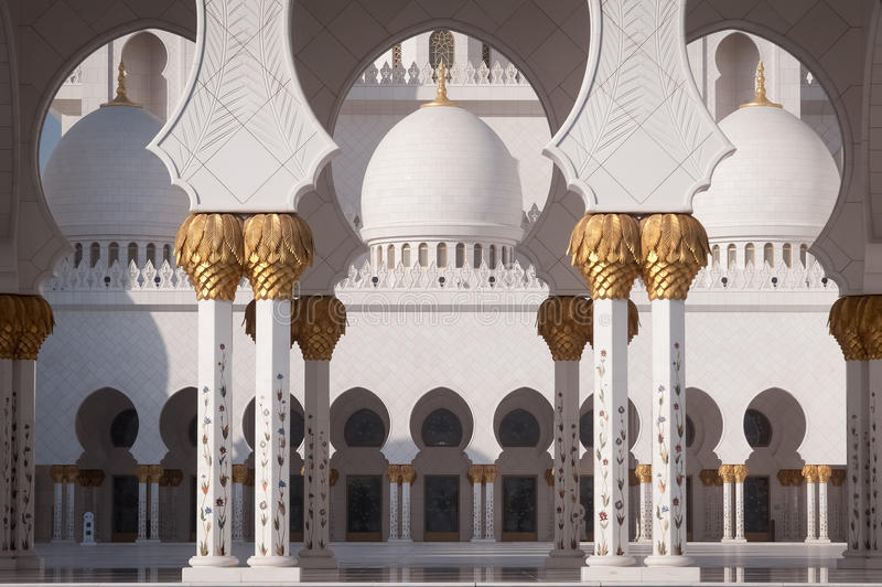 Download Sheikh Zayed Grand Mosque In Abu Dhabi Stock Photo - Image of light, majestic: 27877888