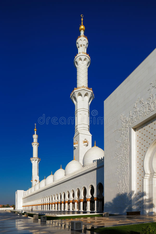 Exterior: Sheikh Zayed Grand Mosque, Abu Dhabi Is The Largest In The