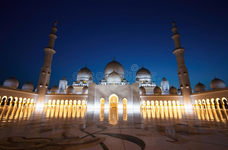 Sheikh Zayed Grand Mosque in Abu Dhabi at Dusk. Sheikh Zayed Grand Mosque in Abu Dhabi, UAE stock images