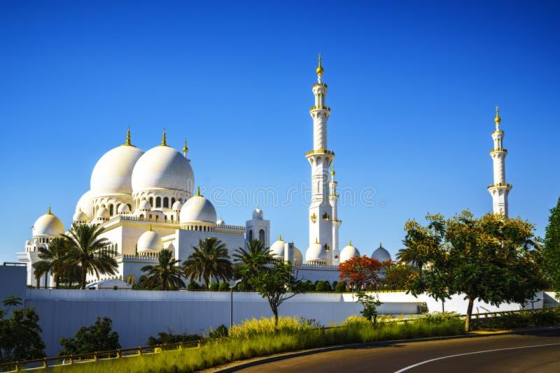 Sheikh Zayed Grand Mosque de imposition en Abu Dhabi 11 photo stock
