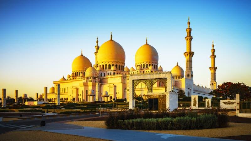 Sheikh Zayed Grand Mosque de imposition en Abu Dhabi 21 images libres de droits
