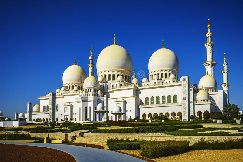 Sheikh Zayed Grand Mosque de imposition en Abu Dhabi 14 photos stock