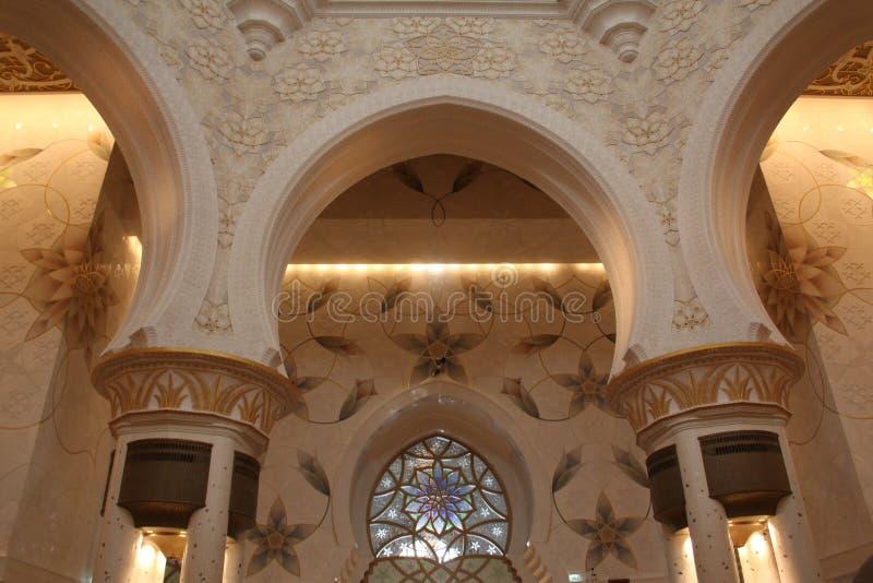 Sheikh Zayed Grand Mosque dentro immagini stock libere da diritti