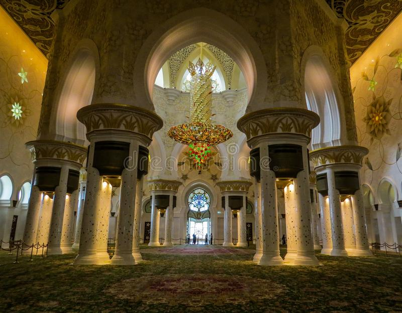 Sheikh Zayed Grand Mosque em Abu Dhabi, interior foto de stock royalty free