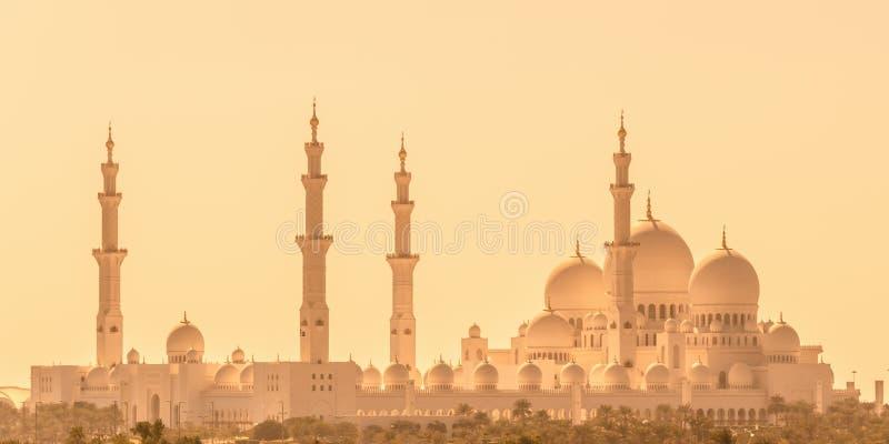Sheikh Zayed Grand Mosque em Abu Dhabi perto de Dubai, UAE imagem de stock