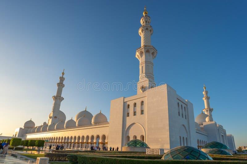 Sheikh Zayed Grand Mosque em Abu Dhabi perto de Dubai, UAE imagens de stock royalty free