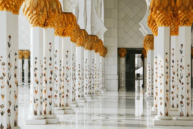 Sheikh Zayed Grand Mosque en Abu Dhabi foto de archivo
