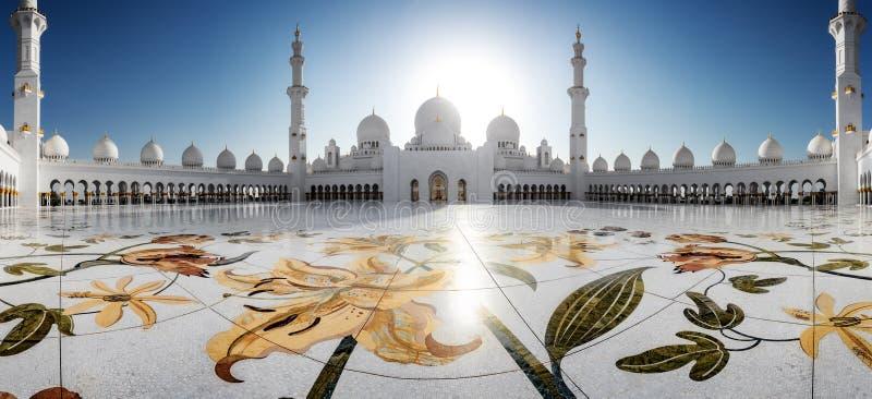 Sheikh Zayed Grand Mosque en Abu Dhabi imagen de archivo