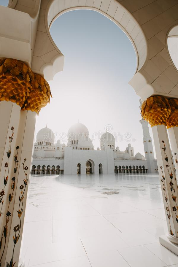 Sheikh Zayed Grand Mosque en Abu Dhabi imagenes de archivo