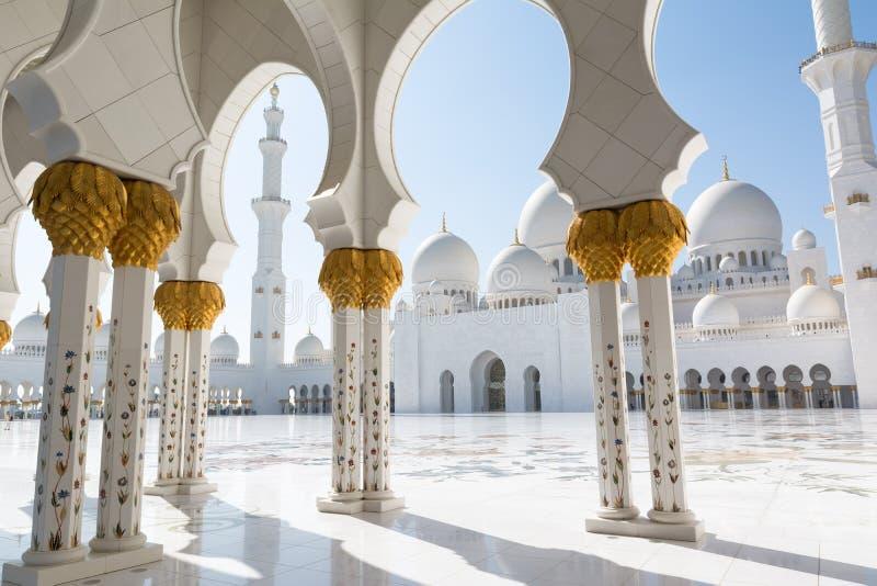 Sheikh Zayed Grand Mosque i Abu Dhabi, huvudstaden av Förenade Arabemiraten arkivfoto