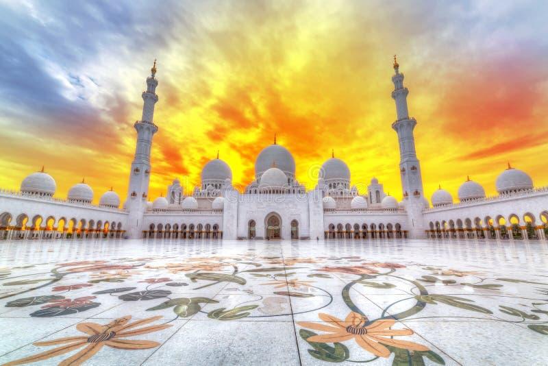 Sheikh Zayed Grand Mosque i Abu Dhabi, UAE royaltyfria foton