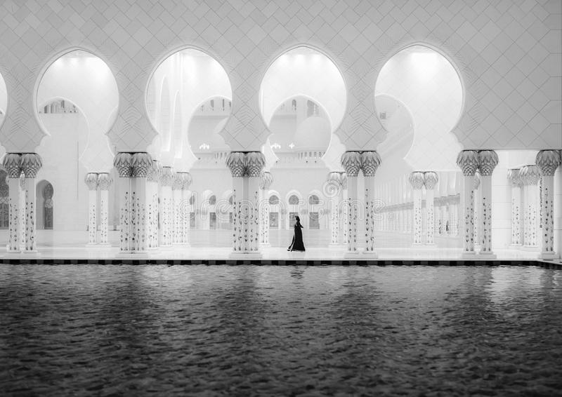 Sheikh Zayed meczet 2 i kobiety fotografia stock