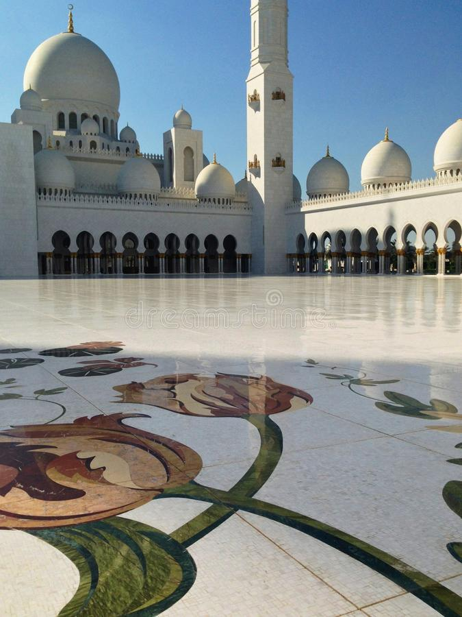 Download Sheikh Zayed Mosque In Abu Dhabi Editorial Stock Image - Image: 39892659