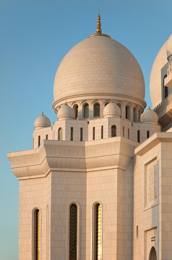 Sheikh Zayed Mosque de mármol blanco de Abu Dhabi imágenes de archivo libres de regalías