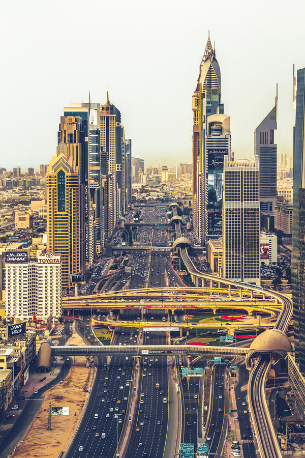 Sheikh Zayed Road, Dubai UAE fotografia stock libera da diritti