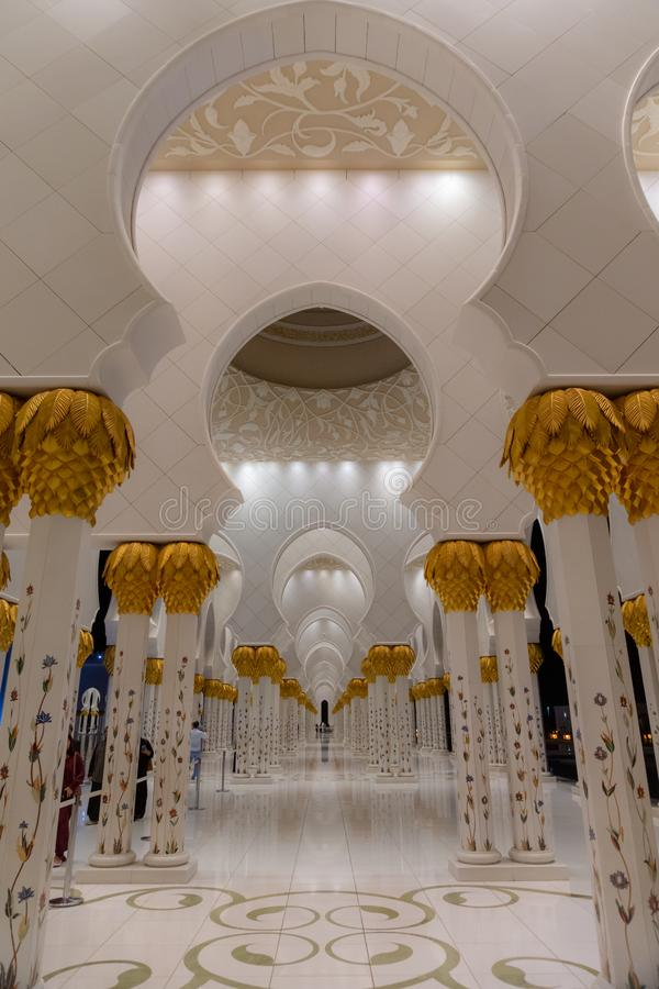 Sheikh Zayed Uroczysty meczet przy nocą, Abu Dhabi, UAE obrazy stock