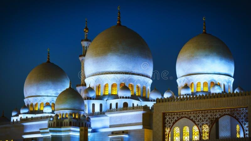 Sheikh Zayed Uroczysty meczet w Abu Dhabi przy nocą 1 fotografia royalty free
