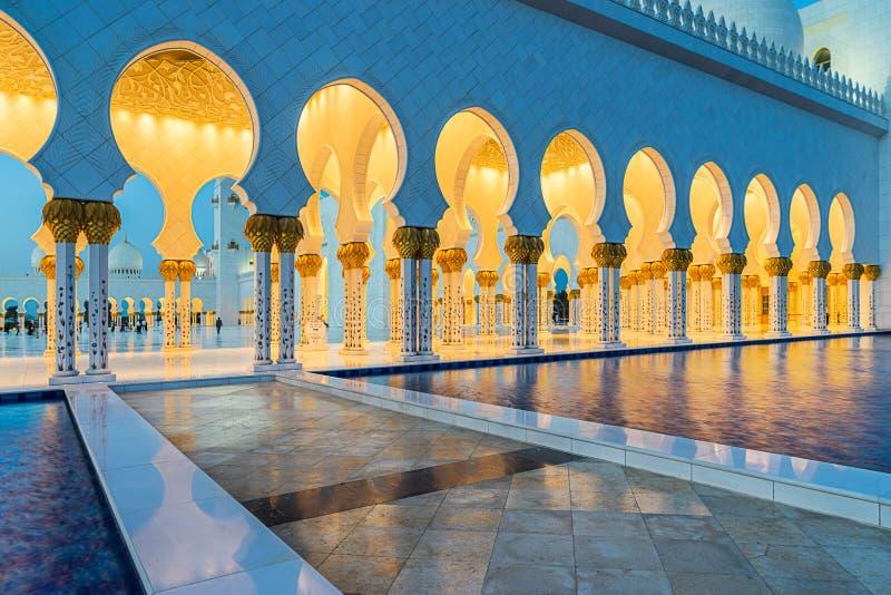 Sheikh Zayed Uroczysty meczet w Adu Dhabi obraz stock