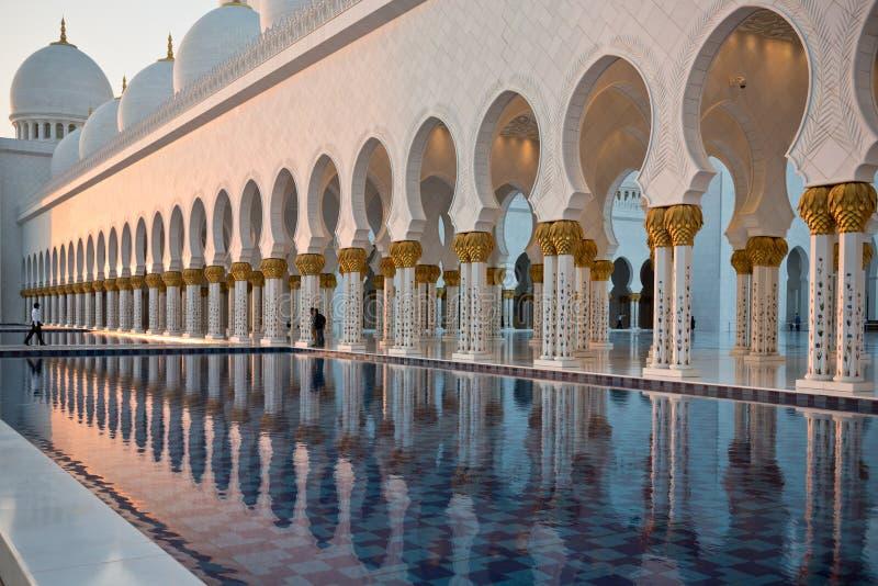 Sheikh Zayed White Mosque en Abu Dhabi photos libres de droits