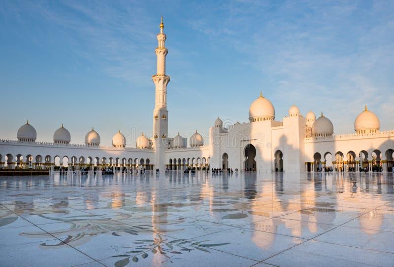 Sheikh Zayed White Mosque en Abu Dhabi, EAU photographie stock libre de droits