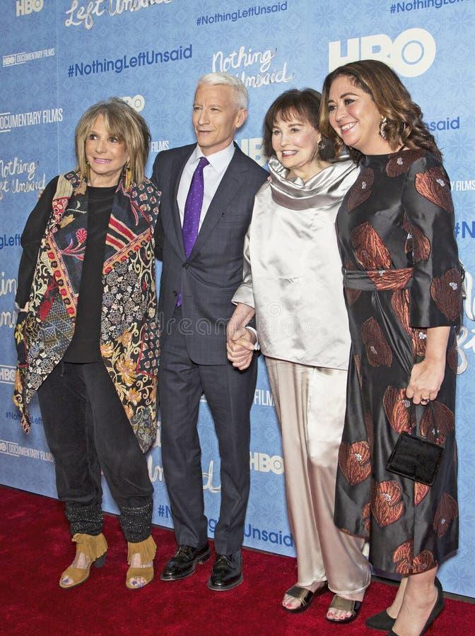 Sheila Nevins, Anderson Cooper, Gloria Vanderbilt, y Liz Garbus fotografía de archivo libre de regalías