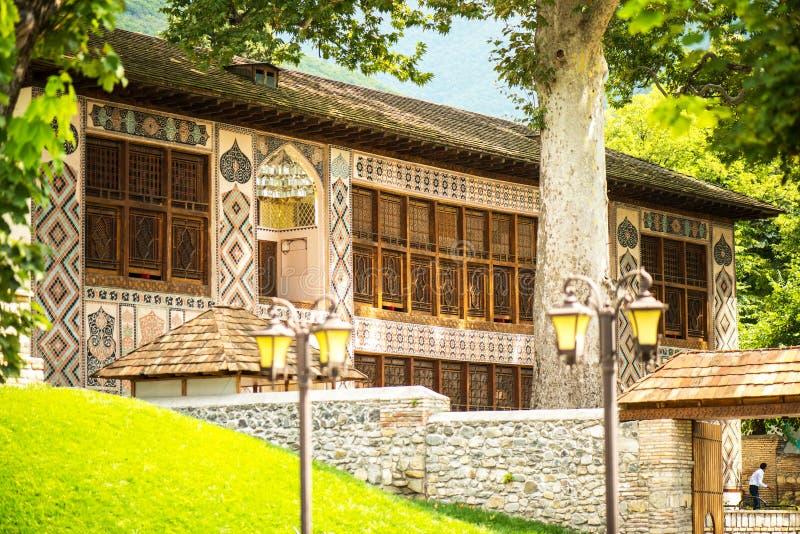 Sheki旅游目的地在高加索山脉,可汗宫殿 库存图片