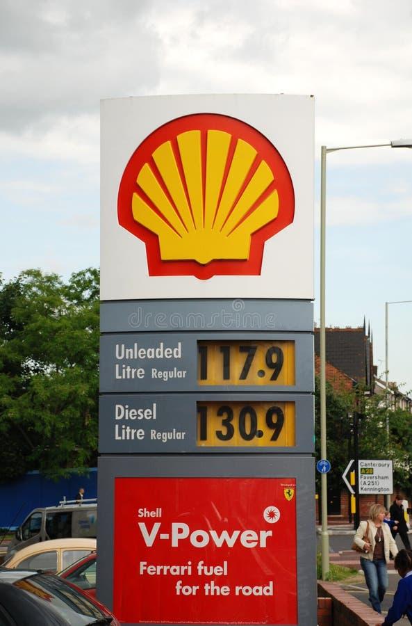 Shell benzinebenzinestation stock foto's