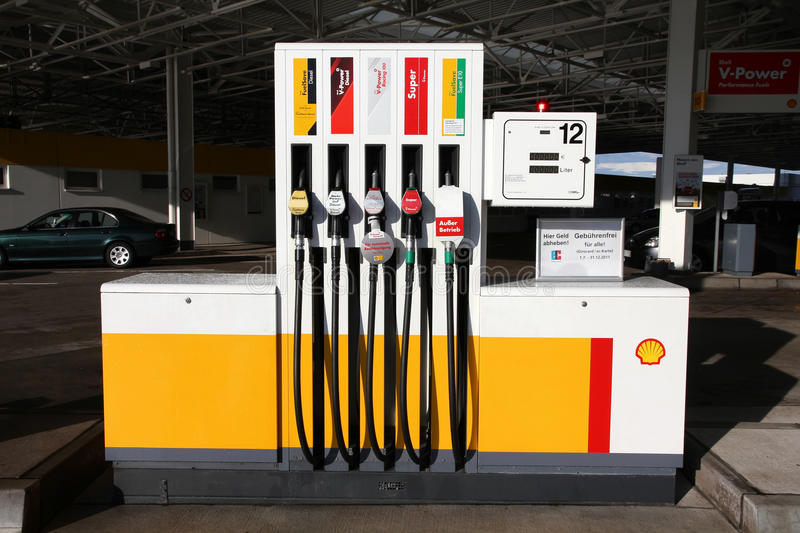 Shell benzinestation stock foto's
