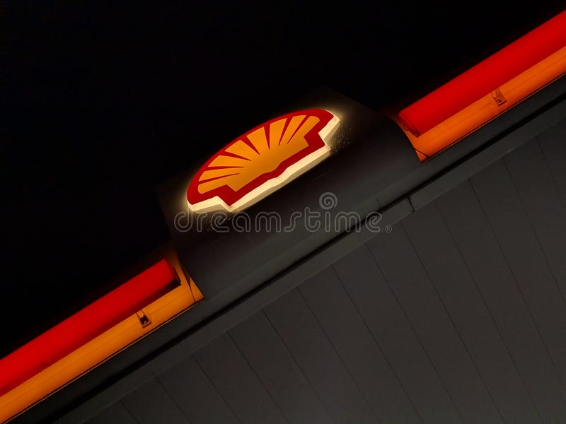 Shell Fueling Station in Labuan royalty-vrije stock foto