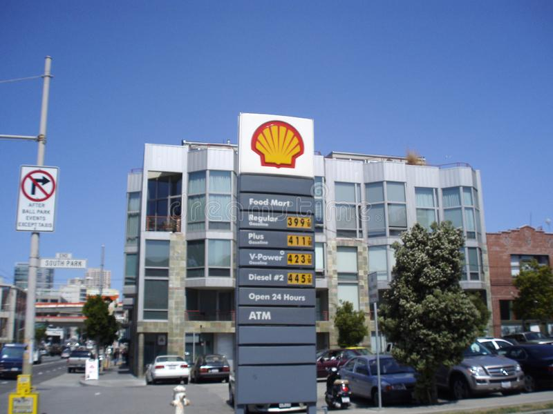 Shell Gas Station and Food Mart. San Francisco - April 24, 2008: Shell Gas Station and Food Mart, open 24 hours and has an ATM.  Regular Gas price of $3.99 royalty free stock images