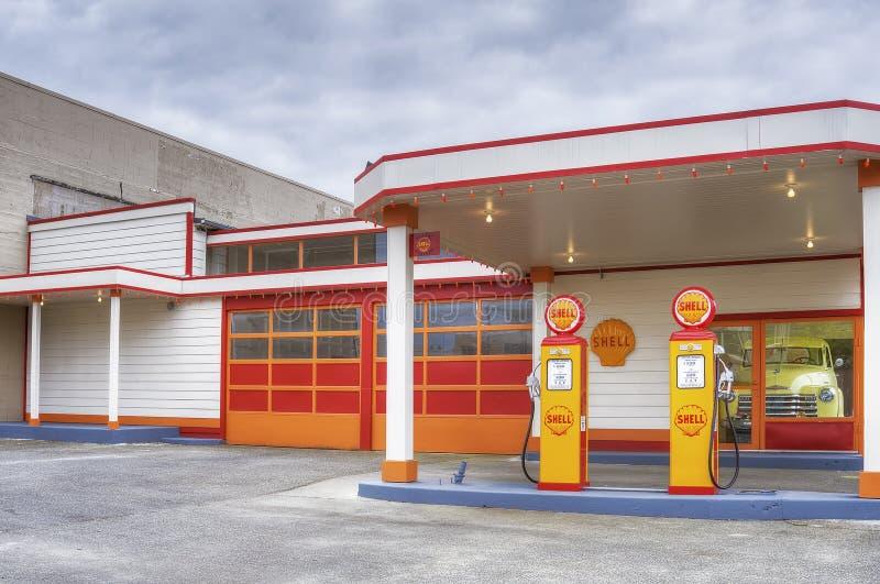 Shell Gas Station retra en Aberdeen Washington fotos de archivo