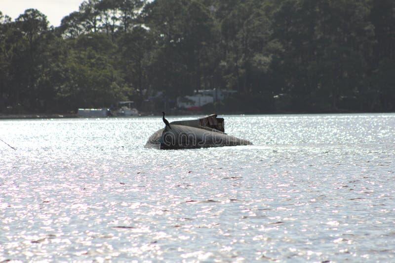 Shell Island, coque coulée par Floride de bateau à voile photo libre de droits