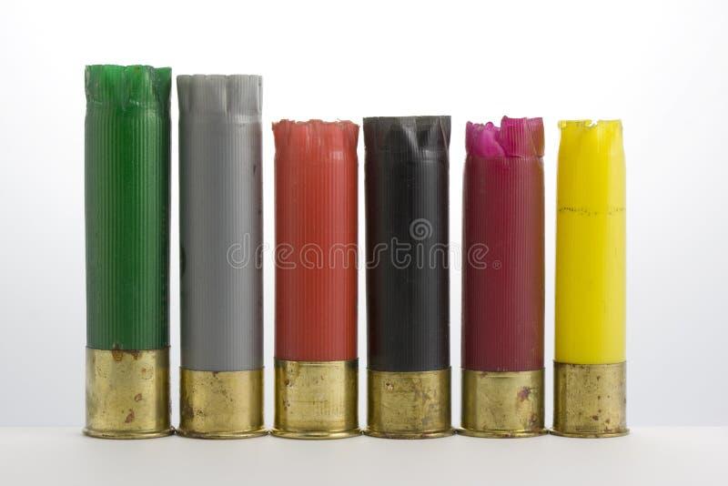 Shelles de escopeta plásticos vacíos recogidos después de pato fotografía de archivo